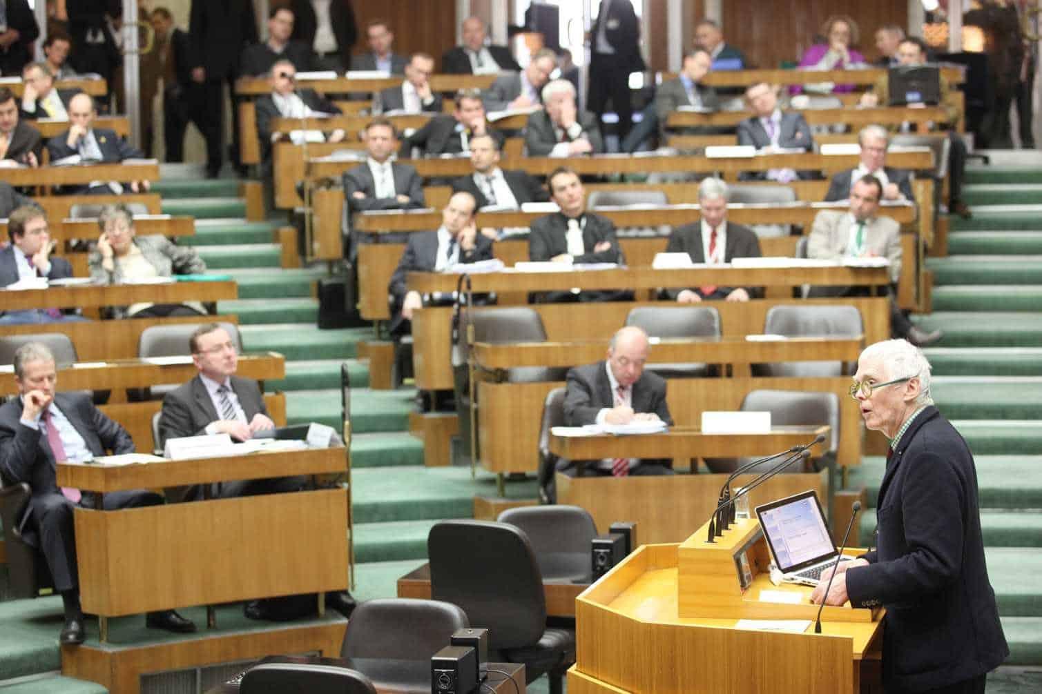 WEB WGG Tagung im Parlament 3.2.2011 - Enquete Umwelt-Bauen-Wohnen - Lugger (ARGE Eigenheim)